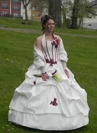 robes de mari e bordeaux de mariée bustier florence ivoire et bordeaux jupon froufrou