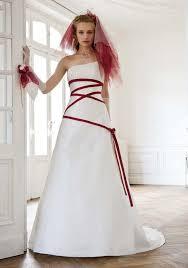 robe de mari e chagne des robes de mariée colorées mademoiselle dentelle