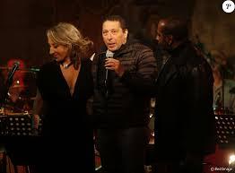 chambre avec vue salvador lydia martinico smaïn lors de la soirée hommage au chanteur henri