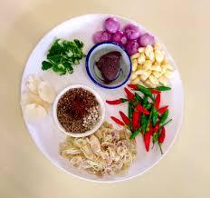 cours de cuisine thailandaise la recette du pad thaï ou les saveurs de la cuisine thaïe le tour