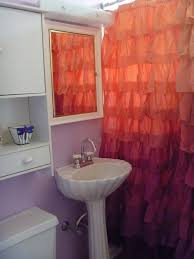 help picking paint colors with beautiful pedestal sink and