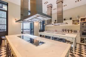 un cour de cuisine un atelier de cuisine lumineux et spacieux avec verranda dans le