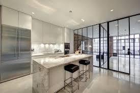 offene küche wohnzimmer abtrennen offene küche vom wohnzimmer abtrennen trennwände im industrie look