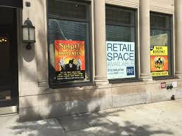 spirit store halloween spirit halloween coming to former banana republic store on