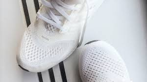 what s the best way to clean white kitchen cabinets how to clean white running sneakers gq