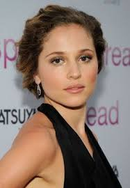 long curly hair style for lawyer margarita levieva has gorgeous natural curly hair curly hair is