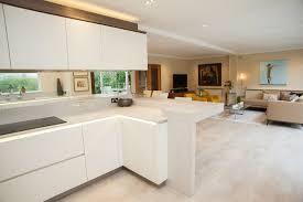 cuisine couleur ivoire 1001 idées pour une cuisine laquée blanche des exemples bien