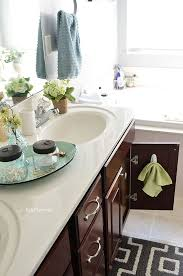how to clean mirrors in bathroom to keep your bathroom clean in 5 minutes a day
