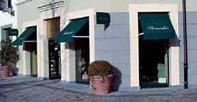 negozi tende tende per negozi tra luce e colore in tessuti e tendaggi oggetti