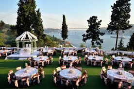 get interesting outdoor decoration ideas for wedding events