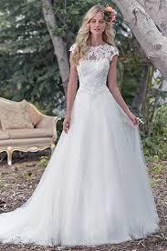 flowing wedding dresses 33 chic a line wedding dresses that weddingomania