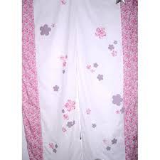 chambre bébé rideaux rideaux chambre bébé liberty fleurs pois papillons prune