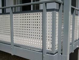 balkon lochblech balkongeländer aus edelstahl glas kunststoff balkongeländer