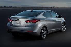 2015 hyundai elantra se review 2015 hyundai elantra car review autotrader