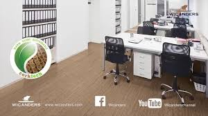 Laminate Cork Flooring How To Install Wicanders Cork Flooring Fold Down System Youtube