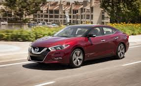2017 nissan maxima sunroof 2017 nissan maxima in depth model review car and driver