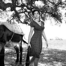 Monica Bellucci Vanity Fair Monica Bellucci Monicabellucciofficiel Instagram Photos And