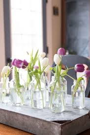 inexpensive centerpiece ideas and inexpensive centerpiece with tulips great for