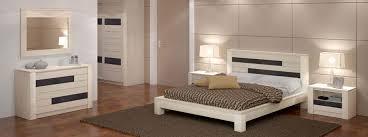 photos de chambre à coucher chambre à coucher en bois et rangements meubles bois massif