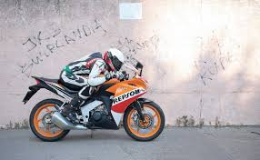 honda cbr 125 r honda cbr 125r mężczyźni motocykle skutery swiatmotocykli pl