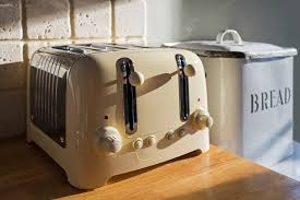 the first electric pop up toaster