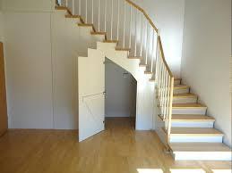 einbauschrank unter treppe chestha treppe geschlossen idee