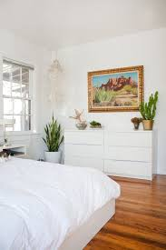 white walls in bedroom working with white walls 6 ideas from bold bedrooms of real life