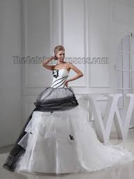 recycle wedding dress black and white gown strapless chapel wedding dress