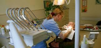 siege dentiste depuis rendez vous chez le dentiste il vit un jour sans fin