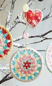 crocheted popcorn and wood cranberry garland crochet