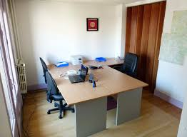 bureau locaux je partage mes locaux un bureau 17 m disponible à besançon
