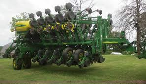 John Deere Planters by 2006 John Deere 1790 16 32 Split Row Planter Item D2072