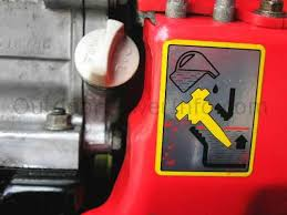 the importance and functions of oil in a small gas engine