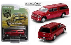 dodge ram toys 1 64 greenlight 2014 dodge ram 1500 truck w topper tow