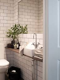 Small Toilets For Small Bathrooms by Best 25 Small Toilet Ideas On Pinterest Small Toilet Room