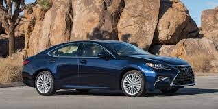lexus es sedan 2017 2017 lexus es vehicles on display chicago auto show