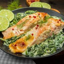 cuisiner pavé de saumon au four recette pavés de saumon aux épinards