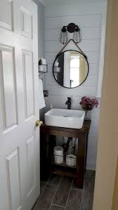 Bathroom Designs For Small Spaces by Best 25 Small Bathroom Decorating Ideas On Pinterest Bathroom