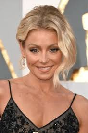 how does kelly ripa curl her hair photo kelly ripa looked so young on her wedding day kelly ripa