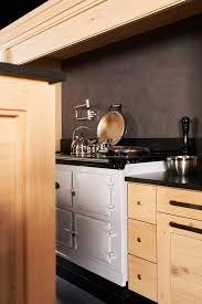 cuisine de perle kegin une cuisine de bois brut et à l esprit contemporain