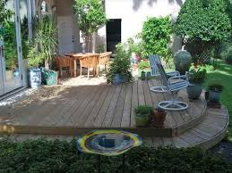 Inexpensive Backyard Ideas Simple Backyard Idea With Minimalist Decor And Standard Seating
