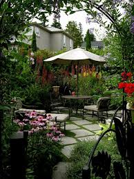 25 beautiful courtyard ideas ideas on small garden 367 best garden courtyards images on courtyard gardens