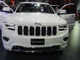 silver jeep grand cherokee 2004 jeep grand cherokee summit in white at 2016 auto expo youtube