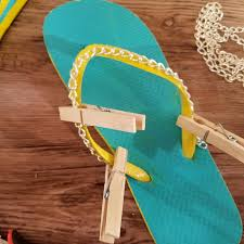 Decorate Flip Flops Diy Flip Flops A Dollar Store Upgrade Moms And Crafters