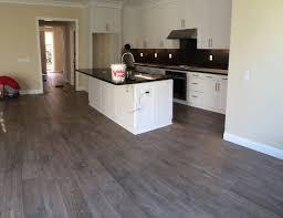 quickstep mocha oak plank laminate yelp floors