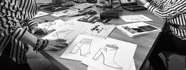 Colleges To Become A Fashion Designer How To Become A Shoe Designer Theartcareerproject Com
