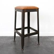 chaise bar industriel 27 idées déco de tabouret et chaise de bar industriel