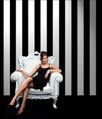 black and white wallpaper for contemporary style
