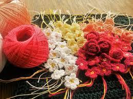 Tiny Flower Crochet Pattern - tiny crochet flowers free pattern the magic loop