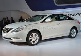 how much does a hyundai sonata cost hyundai sonata price launch date in india review mileage pics